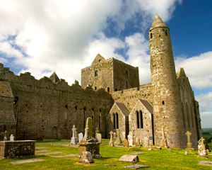 ireland-rock-of-cashel